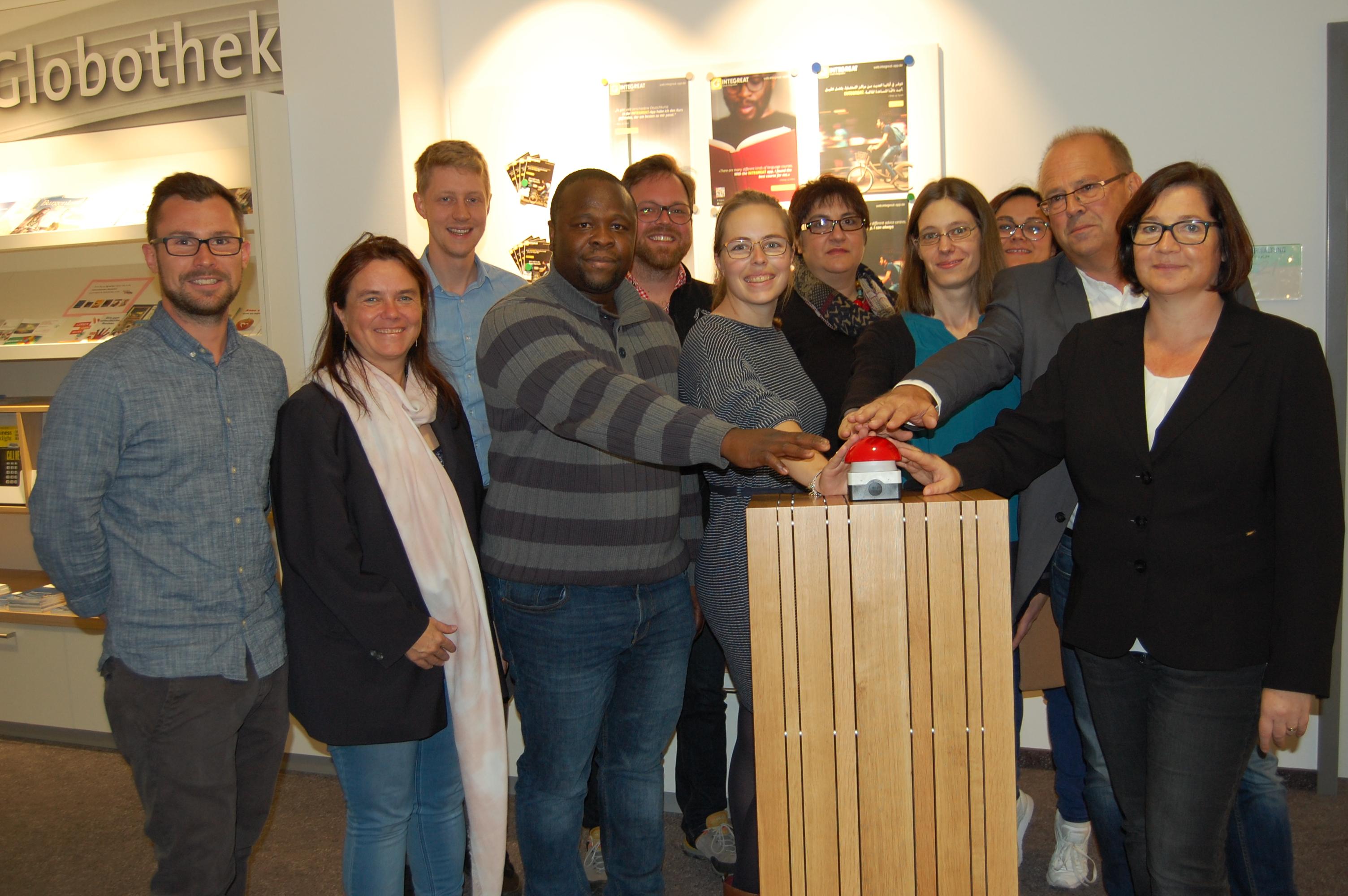 Stadt und Landkreis Bayreuth feiern zusammen den Start von Integreat.